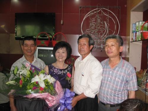 恭賀模範母親曾徐明霞女士於5月7日接受蘆竹鄉表揚