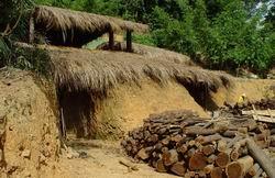 阿公木炭窯是村內為了保存傳統技藝而建